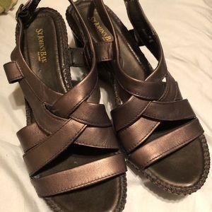 St. John's Bay sandals 👡  Size 9